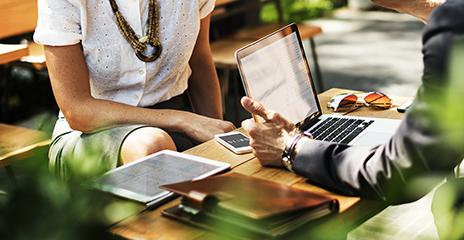 管理業務:現在は管理部も兼務の為、営業部とコミュニケーションを密に確認し進めます。
