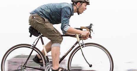出社:自転車で通勤します。好きな音楽を聴きながら気分を高めます。